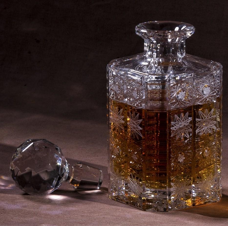 Whisky Carafe Ensemble /Él/égant Et Cr/éatif Style 800Ml avec 4 Verres Et Non-Slip Base en Bois